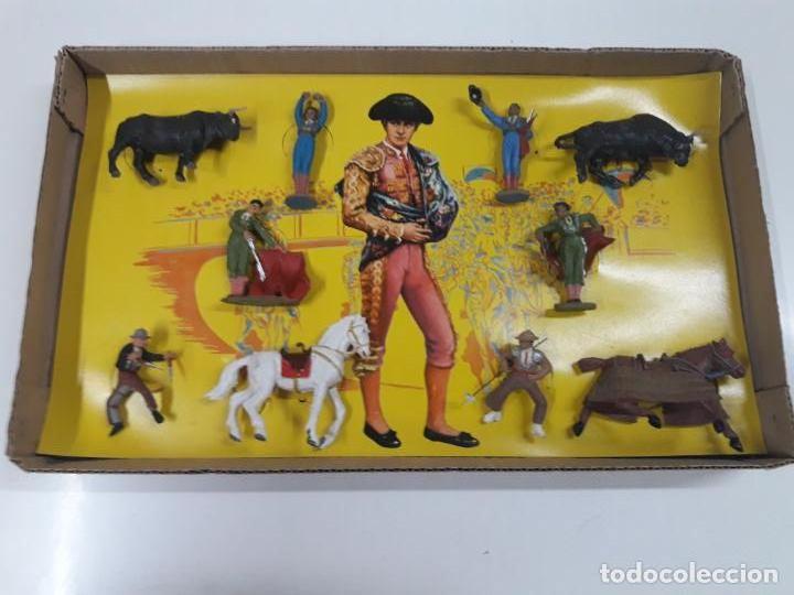 Figuras de Goma y PVC: CAJA ORIGINAL DE LA CORRIDA DE TOROS . REALIZADA POR PECH . AÑOS 60 - Foto 2 - 135518578