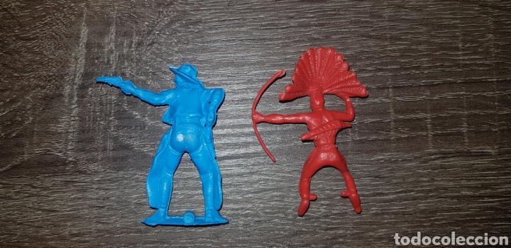 Figuras de Goma y PVC: Antigua figura oeste americano indios soldados años 70/80 kiosko plástico duro - Foto 2 - 135547202
