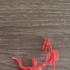 Figuras de Goma y PVC: ANTIGUA FIGURA INDIO OESTE AMERICANO KIOSKO AÑOS 70/80. Lote 135550475