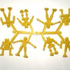 Figuras de Goma y PVC: MONTAPLEX 1 COLADA DE ROBOTS - COLOR FOTO. Lote 180852233