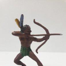 Figuras de Goma y PVC: GUERRERO INDIO CON ARCO . REALIZADO POR PECH . AÑOS 50 EN GOMA. Lote 135604730