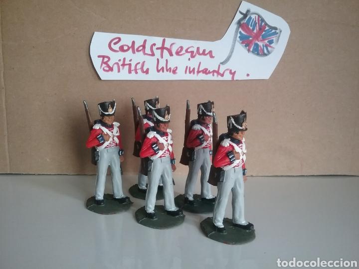 Figuras de Goma y PVC: Coldstream guards, soldados napoleónicos británicos, Timpo Waterloo, comp.Lafredo esc. britains - Foto 5 - 130516400