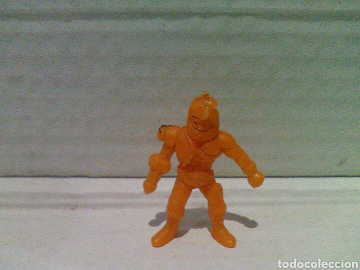Figuras de Goma y PVC: Lote dunkin masters del universo y robot - Foto 2 - 135885997