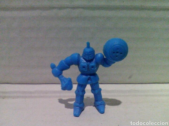 Figuras de Goma y PVC: Lote dunkin masters del universo y robot - Foto 4 - 135885997