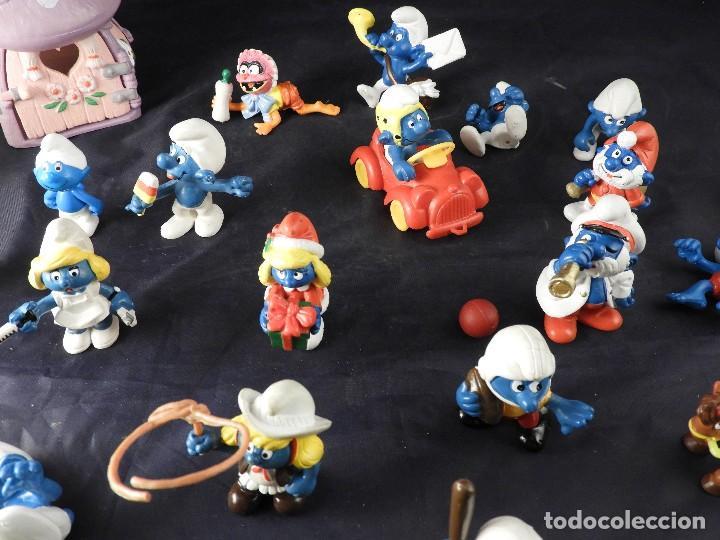 Figuras de Goma y PVC: CONJUNTO DE FIGURAS Y OBJETOS DE PITUFOS MAS LA CASA SCHTROUMPFETTE - Foto 5 - 136035422