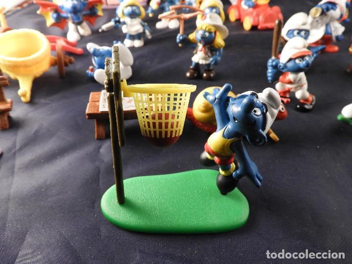 Figuras de Goma y PVC: CONJUNTO DE FIGURAS Y OBJETOS DE PITUFOS MAS LA CASA SCHTROUMPFETTE - Foto 12 - 136035422