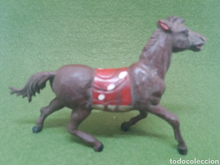Figuras de Goma y PVC: Antigua Figura en Goma de Caballo Indio fabricado por Gama. Serie 60 mm - Foto 4 - 136109622