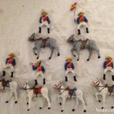 Figuras de Goma y PVC: 6 GUARDIAS CIVILES DE GALA A CABALLO.. Lote 136402498