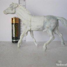 Figuras de Goma y PVC: CABALLO INDIO COLOR BLANCO JECSAN, PECH , COMANSI ? ? VER FOTOS ADICI DEL ESTADO . Lote 136597766