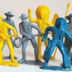 Figuras de Goma y PVC: LOTE FIGURAS INDIOS Y VAQUEROS GRAN TAMAÑO PIPERO KIOSKO MONOCROMAS MONOCOLOR QUIOSCO. Lote 136952658
