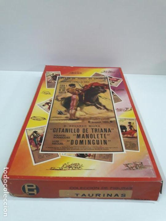 CAJA ORIGINAL DE LA CORRIDA DE TOROS - COLECCION DE FIGURAS TAURINAS . REALIZADA POR PECH . AÑOS 60 (Juguetes - Figuras de Goma y Pvc - Pech)