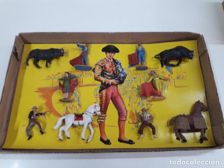 Figuras de Goma y PVC: CAJA ORIGINAL DE LA CORRIDA DE TOROS - COLECCION DE FIGURAS TAURINAS . REALIZADA POR PECH . AÑOS 60 - Foto 15 - 137130886