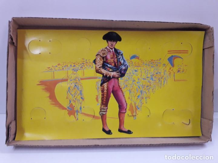 Figuras de Goma y PVC: CAJA ORIGINAL DE LA CORRIDA DE TOROS - COLECCION DE FIGURAS TAURINAS . REALIZADA POR PECH . AÑOS 60 - Foto 18 - 137130886