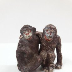 Figuras de Goma y PVC: PAREJA DE MONOS . REALIZADOS POR PECH . AÑOS 50 EN GOMA. Lote 137191606
