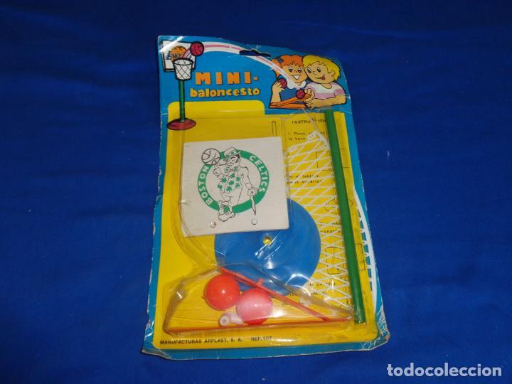 Figuras de Goma y PVC: MINI BALONCESTO DE PLASTICO AÑOS 70, BOSTON CELTICS A ESTRENAR VER FOTOS Y DESCRIPCION! SM - Foto 6 - 137667130