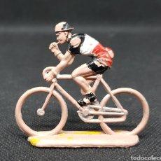 Figuras de Goma y PVC: ANTIGUO CICLISTA - PLASTICO - SOTORRES - CAR121. Lote 137873610