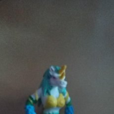 Figuras de Goma y PVC: MUÑECO INVIZIMALS DE COMANSI SEGUNDA COLECCION UNICORN. Lote 137913666