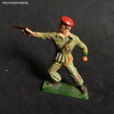 Figuras de Goma y PVC: MUÑECO FIGURA SOLDADO PARACAIDISTA BOINA ROJA STARLUX ORIGINAL AÑOS 60 FRANCIA FRANCES . Lote 138107850
