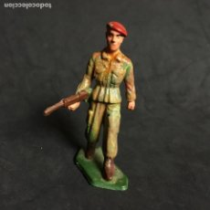 Figuras de Goma y PVC: MUÑECO FIGURA SOLDADO PARACAIDISTA BOINA ROJA STARLUX ORIGINAL AÑOS 60 FRANCIA FRANCES . Lote 138107978