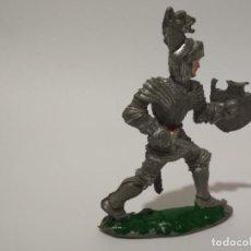 Figuras de Goma y PVC: RARA FIGURA CABALLERO MEDIEVAL REIGON. Lote 138366442