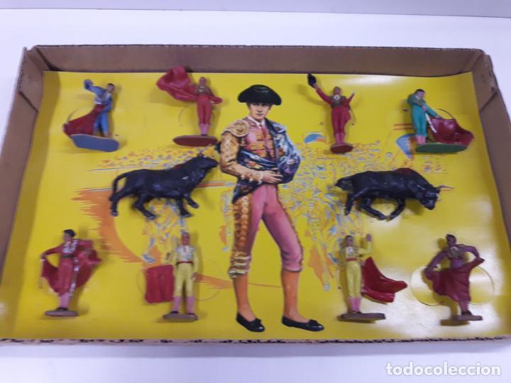 Figuras de Goma y PVC: CAJA ORIGINAL DE TOREROS Y TOROS . REALIZADA POR PECH . AÑOS 60 - Foto 16 - 138840654