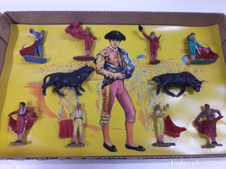 Figuras de Goma y PVC: CAJA ORIGINAL DE TOREROS Y TOROS . REALIZADA POR PECH . AÑOS 60 - Foto 17 - 138840654