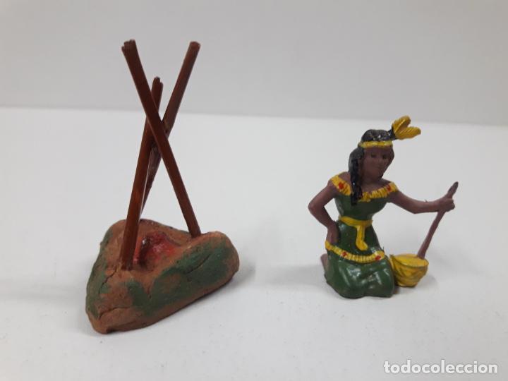 Figuras de Goma y PVC: INDIA CON HOGUERA EN SU CAJA ORIGINAL . REALIZADA POR CAPELL . AÑOS 50 - Foto 2 - 138847370