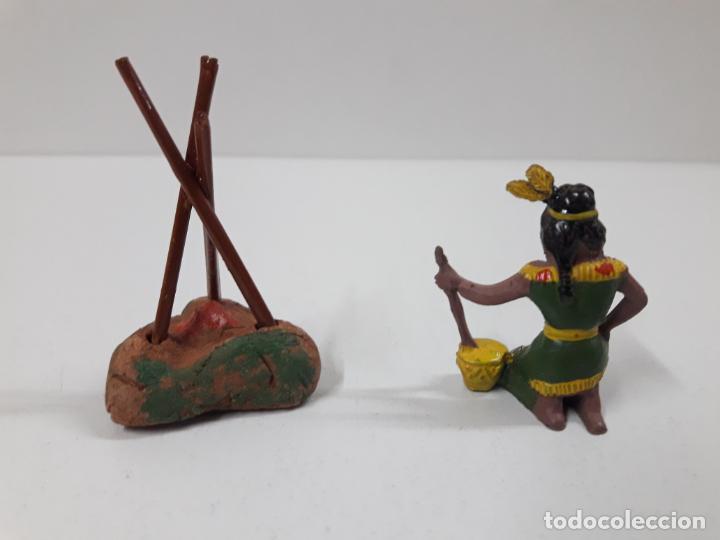 Figuras de Goma y PVC: INDIA CON HOGUERA EN SU CAJA ORIGINAL . REALIZADA POR CAPELL . AÑOS 50 - Foto 3 - 138847370