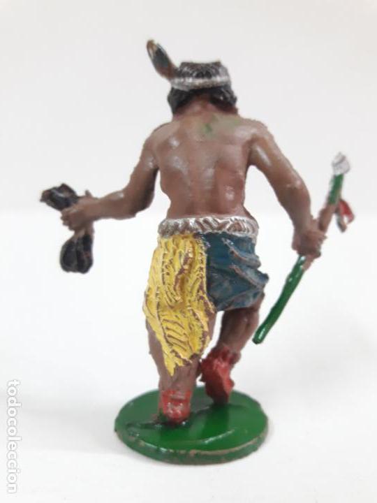 Figuras de Goma y PVC: GUERRERO INDIO CON LANZA Y CABELLERA . REALIZADO POR LAFREDO . AÑOS 50 EN GOMA . ALTURA 5,5 CM - Foto 2 - 138936138