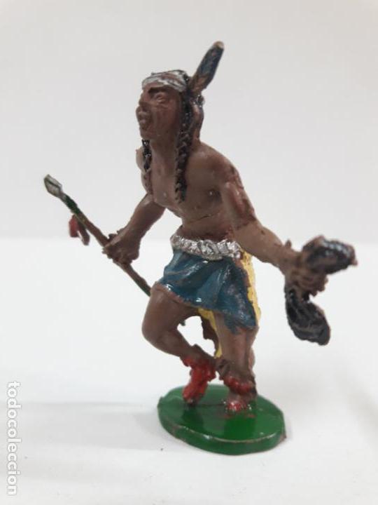 Figuras de Goma y PVC: GUERRERO INDIO CON LANZA Y CABELLERA . REALIZADO POR LAFREDO . AÑOS 50 EN GOMA . ALTURA 5,5 CM - Foto 3 - 138936138