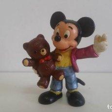 Figuras de Goma y PVC: MUÑECO DE PVC. MICKEY - MOUSE CON OSITO BULLYLAND. Lote 138951470