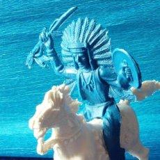 Figuras de Goma y PVC: FIGURAS DE INDIO 3 Y CABALLO MONOCOLOR AÑOS 60-70.. Lote 139068390