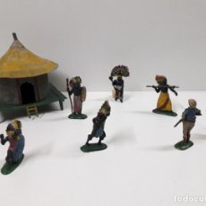 Figuras de Goma y PVC: CHOZA . GUERREROS KAKUANAS - CAZADOR Y ASKARI . REALIZADOS PÒR PECH . AÑOS 50. Lote 139094638