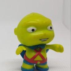 Figuras de Goma y PVC: PEQUEÑA FIGURA - LITTLES MATES - DC COMICS - CAR31. Lote 139477954
