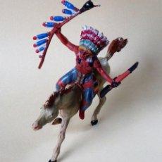 Figuras de Goma y PVC: JEFE INDIO A CABALLO DE GAMA, JACSON Ó PECH DE LOS AÑOS 50. Lote 139534342