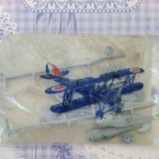 Figuras de Goma y PVC: MAQUETA AVION TIPO MONTAPLEX PLASTICO MAS RIGIDO. Lote 194194732