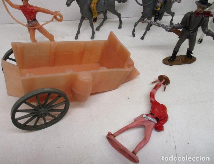 Figuras de Goma y PVC: Comansi lote figuras, vaqueros, cowboys, indios, confederados - Foto 2 - 139724548