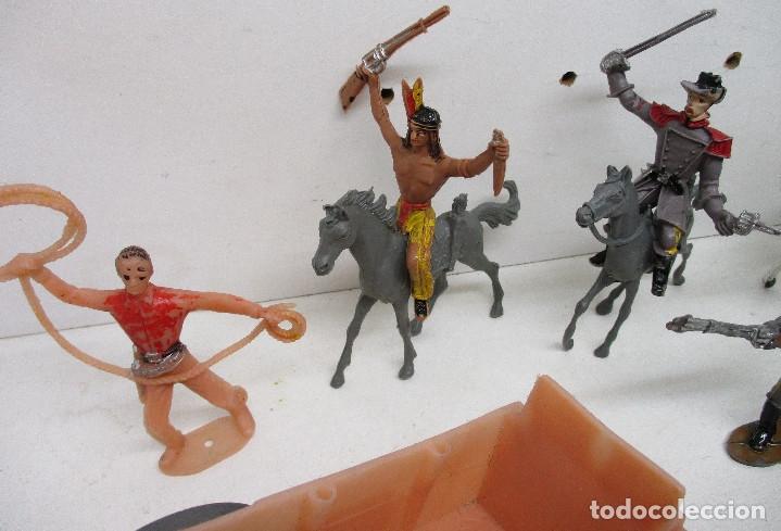 Figuras de Goma y PVC: Comansi lote figuras, vaqueros, cowboys, indios, confederados - Foto 3 - 139724548