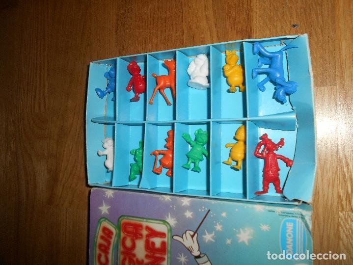 Figuras de Goma y PVC: Caja Mágica de Disney, figuras Dunkin, publicidad Danone. 12 personajes, completa. Buen estado - Foto 3 - 139779650