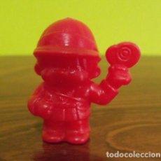 Figuras de Goma y PVC: FIGURA GUARDIA TRÁFICO CAPUCHÓN LÁPIZ OBSEQUIO DETERGENTE BONUX - SEKIGUCHI MONCHICHI - DUNKIN. Lote 140179330