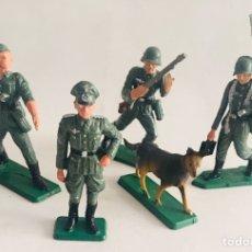 Figuras de Goma y PVC: LOTE DE SOLDADOS DE LA ARMADA EJERCITO ALEMAN STARLUX AÑOS 60-70 SOLDADITOS DE PLASTICO NAZIS. Lote 140222322