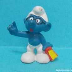 Figuras de Goma y PVC: PITUFO - ORIGINAL SCHLEICH - ESTUDIANTE. Lote 140272722