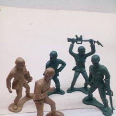 Figuras de Goma y PVC: MUÑECOS MILITARES. Lote 140381498