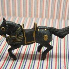 Figuras de Goma y PVC: FIGURA CABALLO MEDIEVAL DE PAPO. Lote 140471422