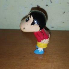 Figuras Kinder: FIGURA KINDER ZAINI O SIMILAR SHIN CHAN CULO MUÑECO COLECCIÓN DIBUJOS ANIMADOS. Lote 140509424