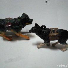 Figuras de Goma y PVC: PAREJA DE CANES CON CARTUCHERAS. Lote 140540510