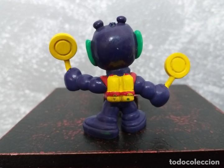 Figuras de Goma y PVC: figura pvc astronik parecido a pitufos marciano verde bully - Foto 2 - 140587378