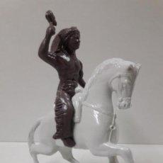 Figuras de Goma y PVC: GUERRERO INDIO A CABALLO . REALIZADO EN PLASTICO INFLADO . JUGUETE KIOSKO AÑOS 60 / 70. Lote 140608894