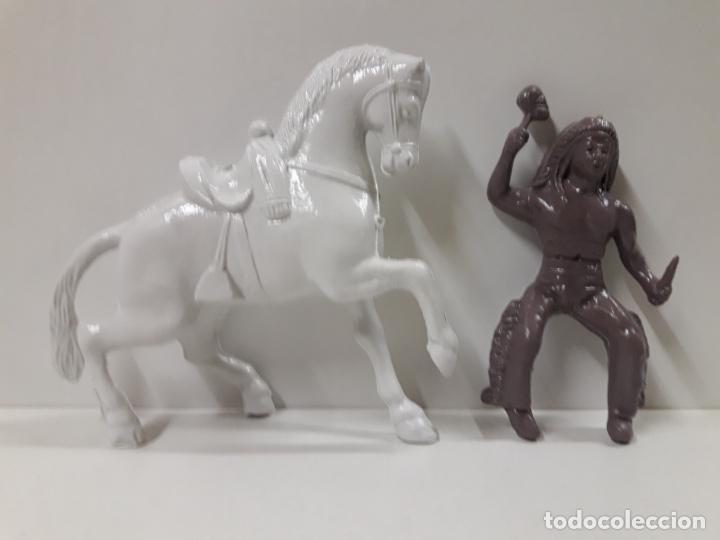 Figuras de Goma y PVC: GUERRERO INDIO A CABALLO . REALIZADO EN PLASTICO INFLADO . JUGUETE KIOSKO AÑOS 60 / 70 - Foto 5 - 140608894