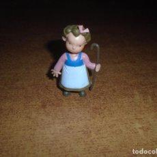 Figuras de Goma y PVC: FIGURA EN GOMA O PVC DE LAS TRES MELLIZAS. CROMOSOMA 99 YOLANDA. Lote 140687074